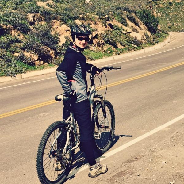 Outdoor Trainer Katinka beim Mountainbiken