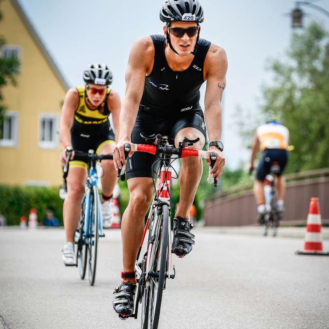 Outdoor Fitness Trainer Marius beim Triathlon